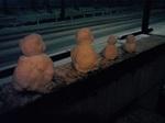 親子4人のミニ雪だるま